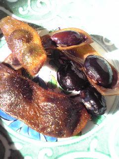 茹でた黒豆
